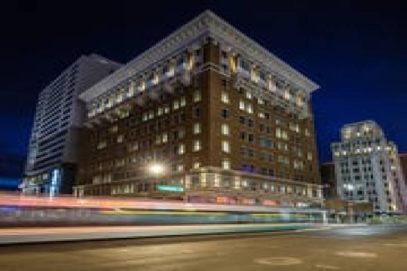 Historic Luhrs Building In Downtown Phoenix To Become A Hotel After Sale