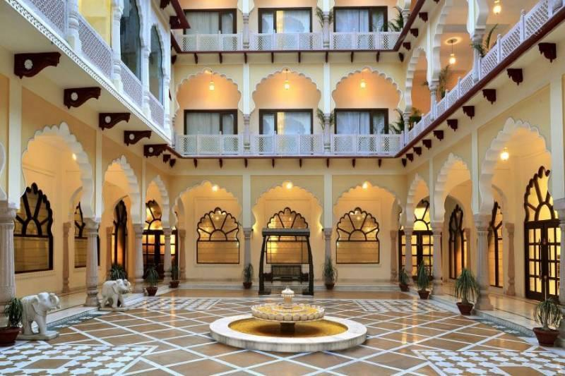 This Palace Hotel In Karnal, Haryana Has Possibly More Antiques And Artworks Than Any Other Museum In The World