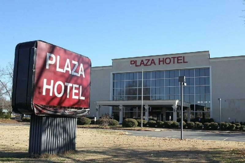 Pine Bluff Picks Panel To Study Firms Interested In Hotel Post
