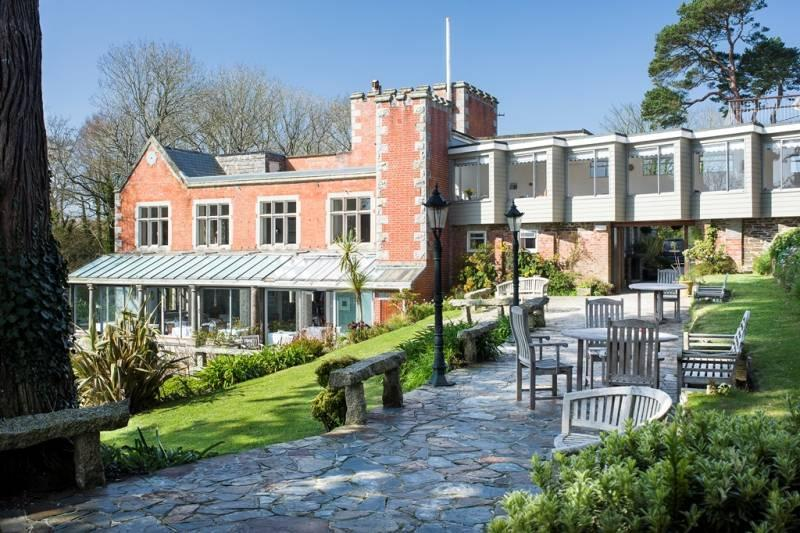 Cornish hotel in 'outstanding location' on the coast hits the market for £2.5m