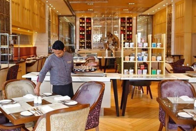 Restaurants, hotels gasp for survival with only 30% pre-Covid level recovery; plead govt for softloans