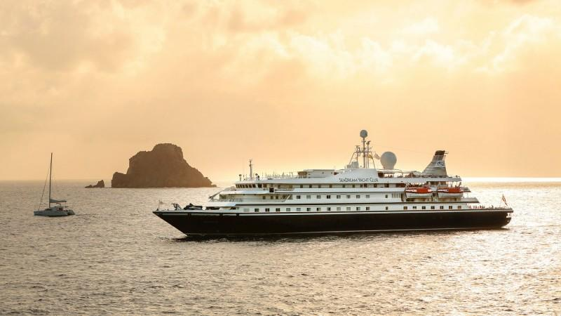 Report: Passenger tests positive for Covid on SeaDream Caribbean cruise