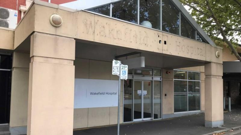 Coronavirus cases to head to 'dedicated floors' at Adelaide medi-hotel, not separate facility