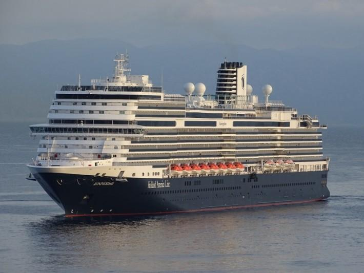 Cruise Bookings Surge, People Splurge for 2022 and 2023