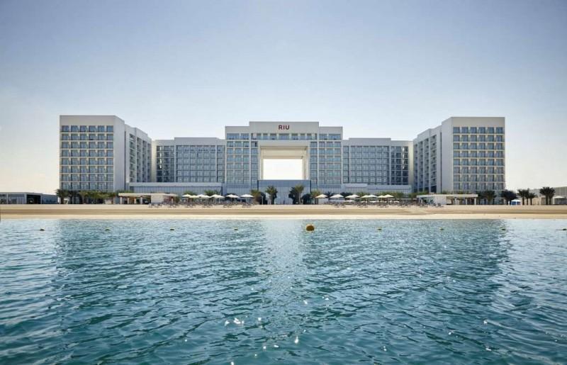 800-room RIU Dubai Opens in the UAE