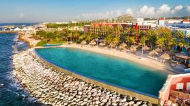 Rrenaissance resort on Curacao reopened