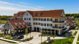 Kansas boutique hotel selects Hotel Internet Services for TV