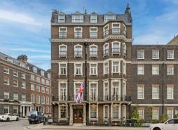 Prime boutique hotel opportunity comes to market with £35m sale of The Naval Club in Mayfair