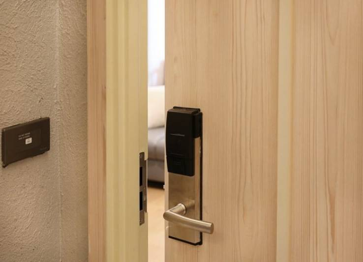 Choosing the Right Locking System for a Hotel