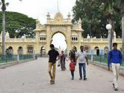 Mysuru witnessing decline in tourist footfall due to second wave