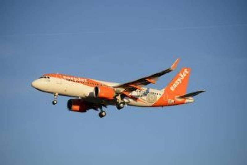 easyJet returns to operating leisure flights from the UK