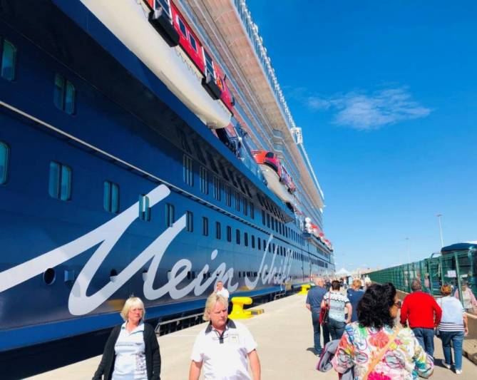 First Cruise Call Returns to Valencia