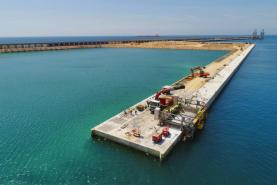 Port of Tarragona Completes First 460 Meters of Balearic Wharf Edge Beam