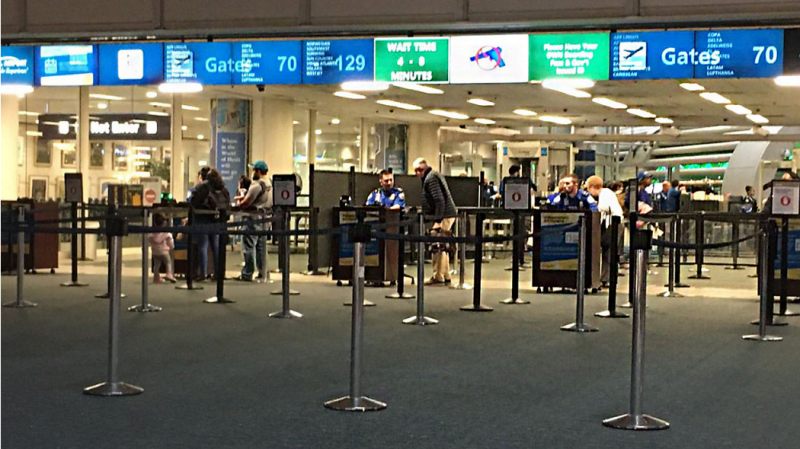 1.6 million people travel through Orlando airport in July 4 holiday period
