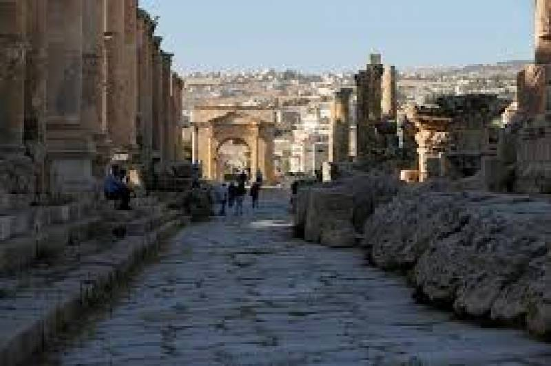 Foreign tourists start coming back to Jordan