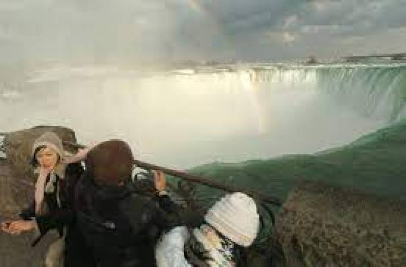 Zimbabwe reopens Victoria Falls land border with Zambia for fully vaccinated tourists