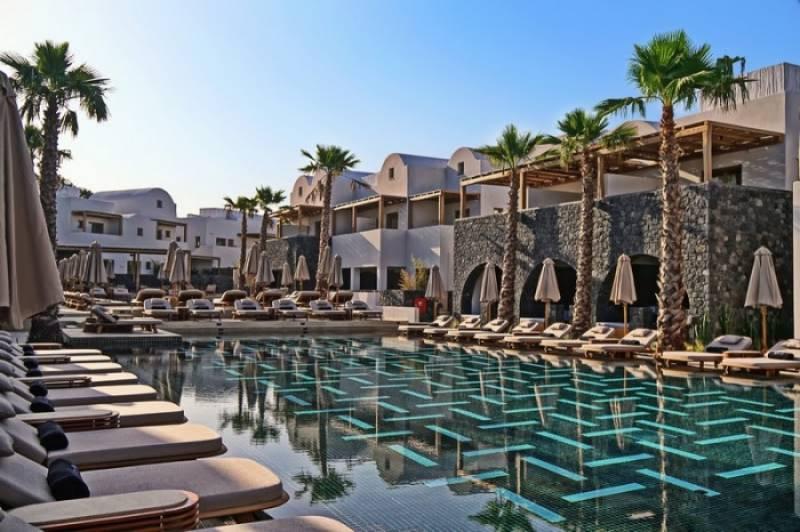 Radisson Blu Zaffron Resort opens in Santorini