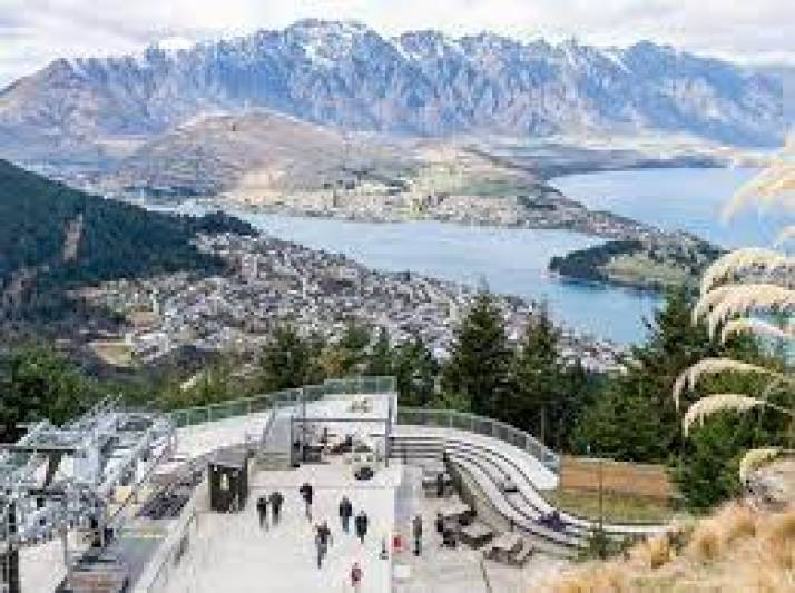 New Zealand plans to extend lockdown due to new outbreaks