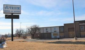 Hutchinson Council OKs temp notes for hotel purchase