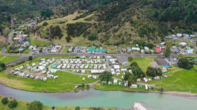 Classic Coastal Kiwi Hotel For Sale Provides A Royal Opportunity For New Owners